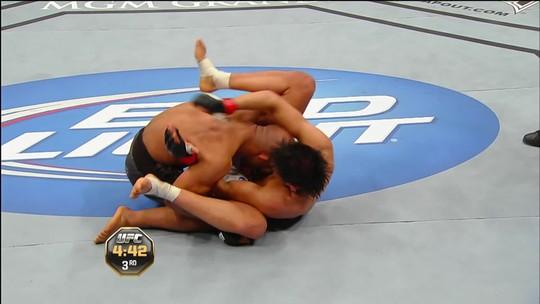 Combate Play libera as melhores lutas do campeão Demetrious Johnson