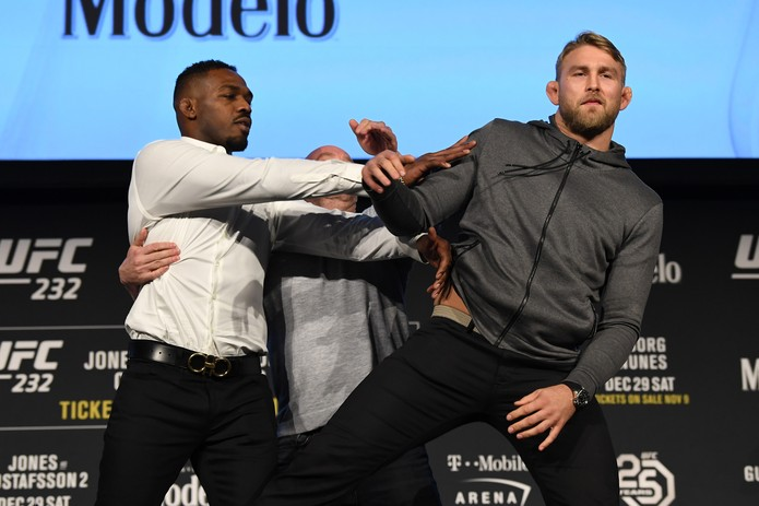 Jon Jones Gustafsson UFC 232 coletiva — Foto: Jeff Bottari/Zuffa LLC / Getty Images