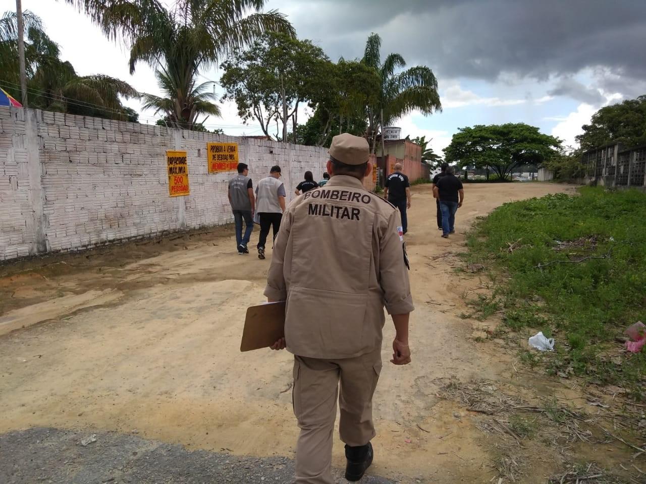 Em 1ª fiscalização do Carnaval de Manaus, órgãos interditam banda irregular na Zona Centro-Sul