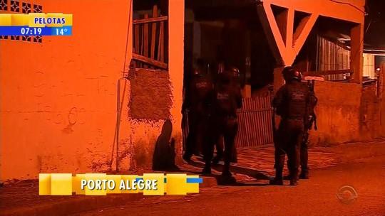 Polícia desarticula quadrilha suspeita de usar armas de choque para cometer assaltos a ônibus metropolitanos no RS