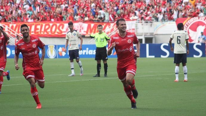 Gol Luiz Eduardo América-RN x Remo Arena das Dunas (Foto: Fabiano de Oliveira)