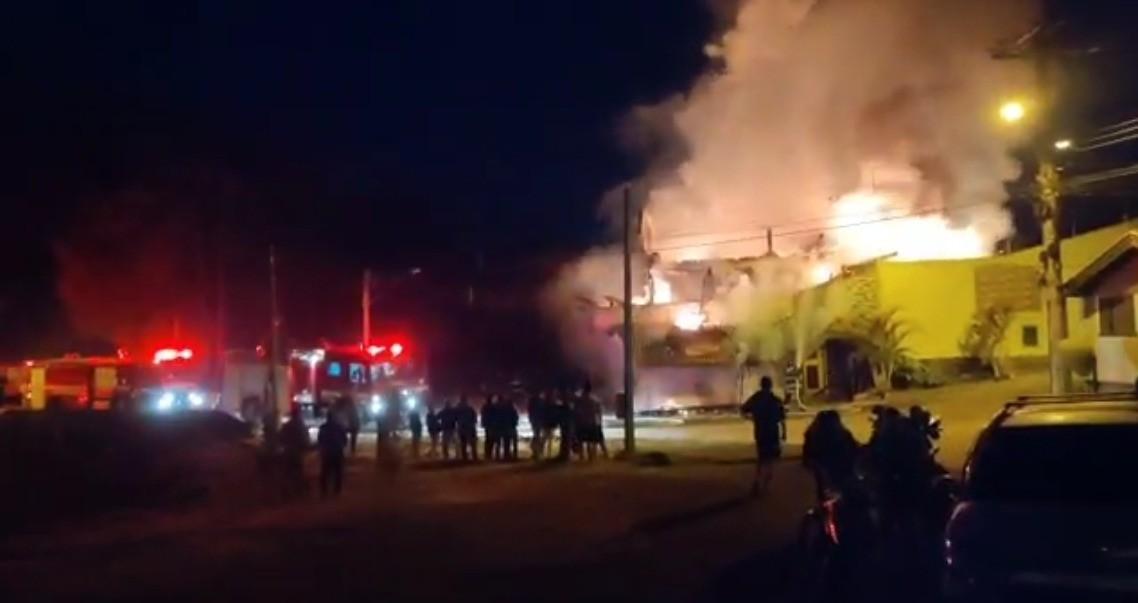 Incêndio atinge casa de idoso em São Bento do Sapucaí