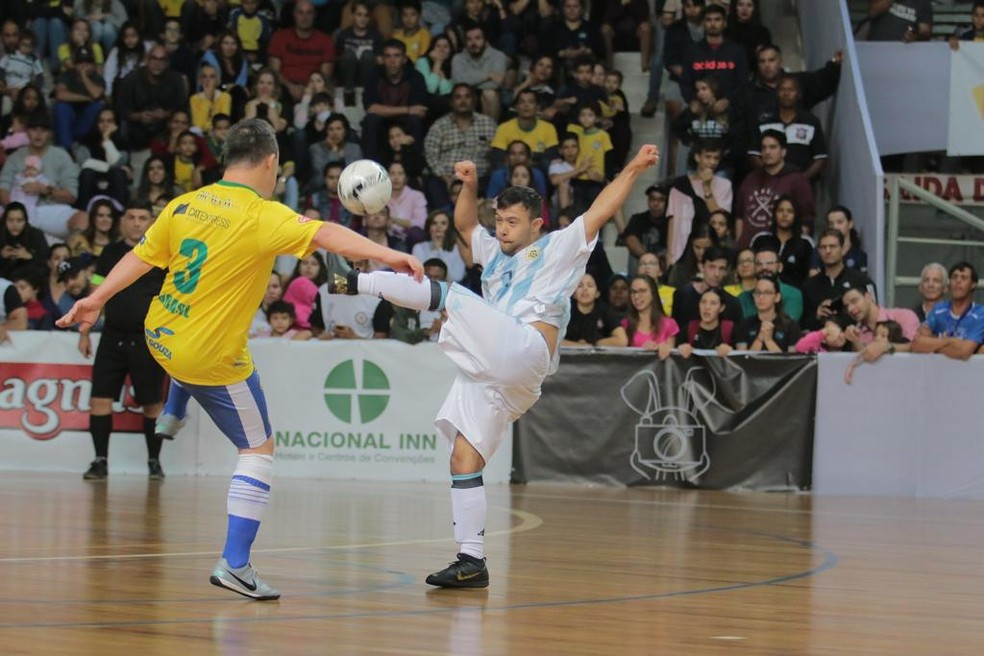 Brasil e Argentina fizeram jogo acirrado na final do mundial — Foto: F.L.Piton/Prefeitura Municipal Ribeirão Preto
