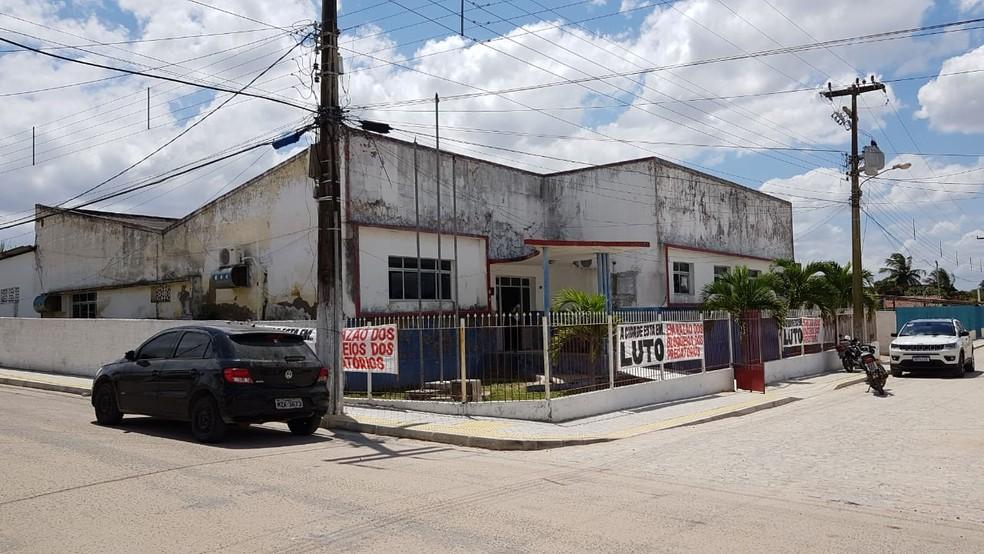 Prefeitura anunciou suspensão de serviços em Bento Fernandes por falta de recursos — Foto: Sérgio Henrique Santos/Inter TV Cabugi