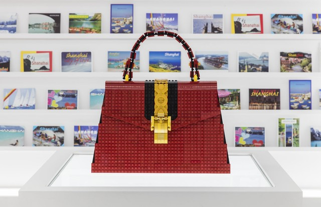 Andy Hung Chi-Kin (LEGO Certified Professional) - Gucci Sylvie bag made with LEGO bricks  (Foto: Courtesy of Gucci)