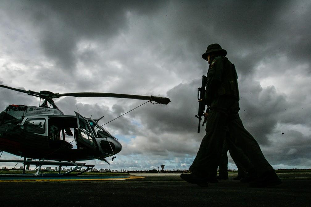 Pilotos civis denunciam concorrência desleal de pilotos militares, que cobram preços menores e não têm vínculo formal — Foto: Agência Diário