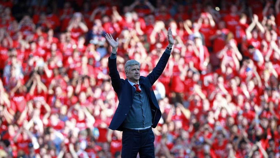 Wenger na despedida do Emirates Stadium — Foto: REUTERS/Ian Walton