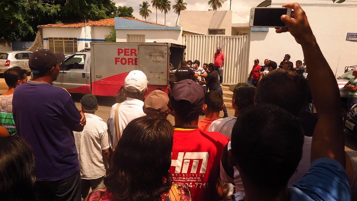 Resultado de imagem para 14 mortos durante tentativa de assalto a bancos em Milagres