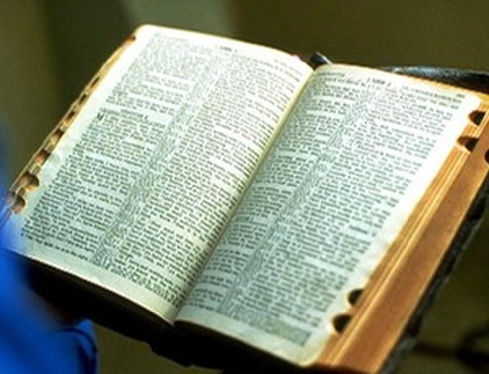 Bíblia Sagrada é o principal prêmio da Corrida do Advento  — Foto: Divulgação