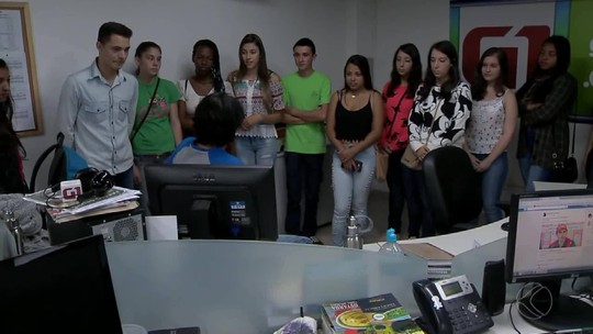 Alunos da Escola Estadual de Pedro Teixeira visitam TV Integração em Juiz de Fora