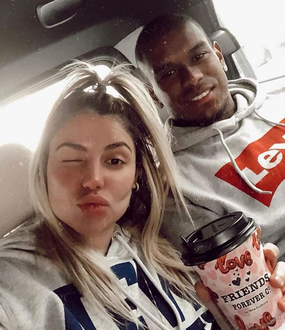 Raphaela e Fernando em Moscou na última foto postada no Instagram dela, em 10 de junho — Foto: Reprodução