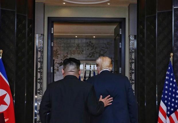 Encontro histórico de Kim Jong-un com Donald Trump - Coreia do Norte e Estados Unidos  (Foto: EFE/ Kevin Lim / Foto cedida por The Straits Times)