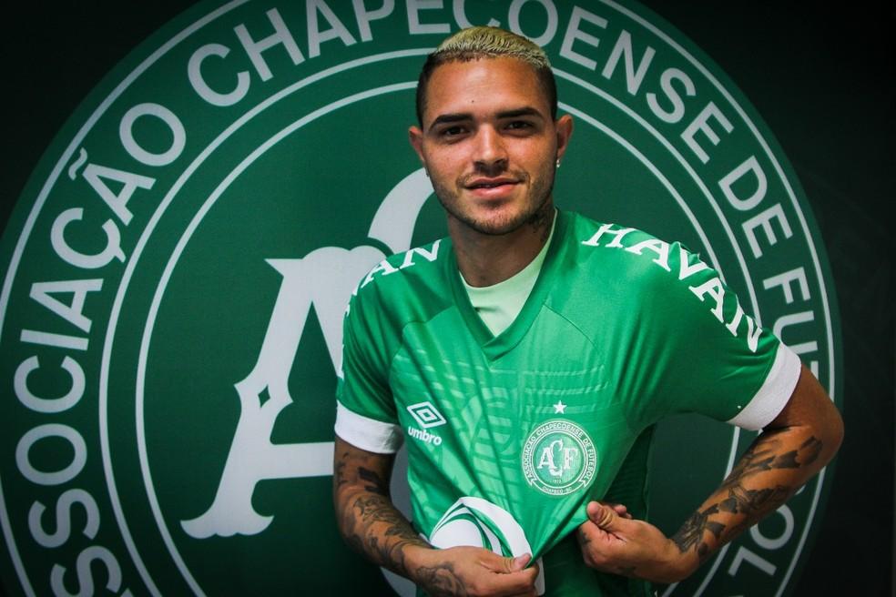 Atacante foi apresentado na Chapecoense, mas não chegou a jogar — Foto: Márcio Cunha/ACF