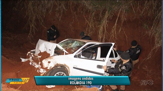 Dois suspeitos ficam feridos após carro cair em barranco durante fuga, em Rolândia
