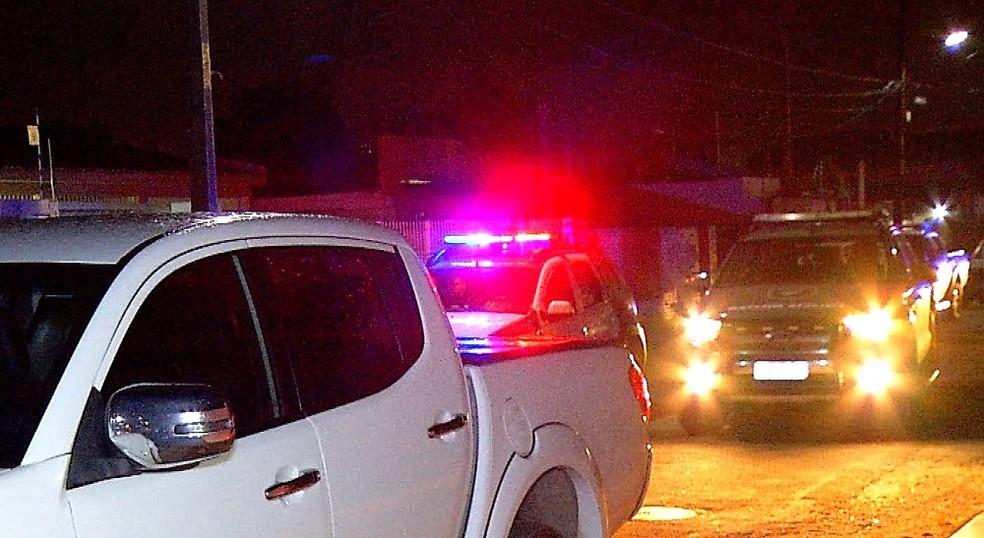 Caminhonete da PGE foi alvo de tentativa de assalto em Natal — Foto: Reprodução/Inter TV Cabugi