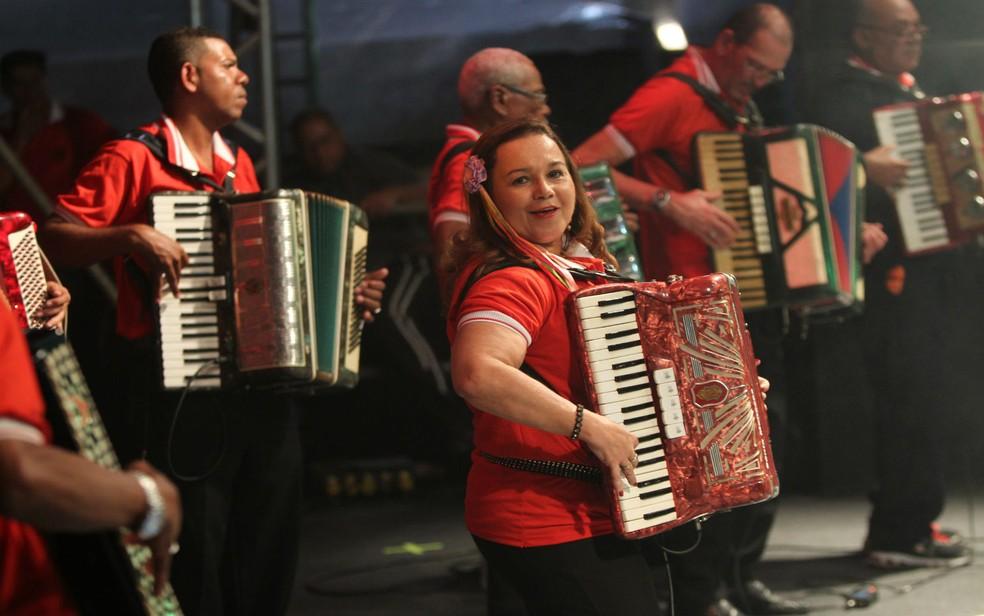 Orquestra Sanfônica no São João de Salvador durante apresentação no Pelourinho antes da pandemia da Covid-19 — Foto: Carol Garcia / GOVBA