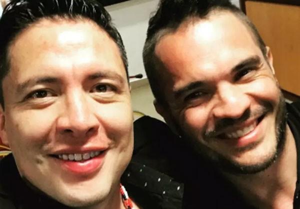Armando Hernández (esq) com o ator e diretor Kuno Becker (Foto: Reprodução)
