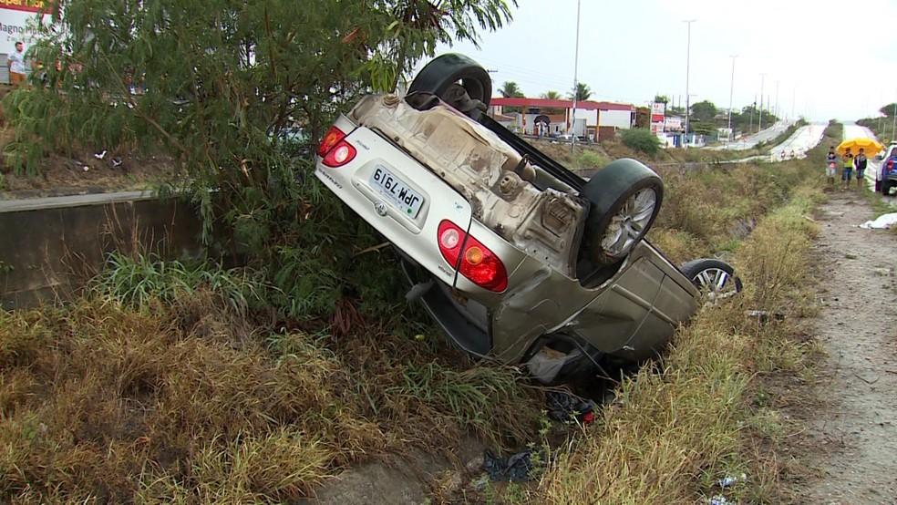 Acidente na BR-232 em Caruaru â?? Foto: TV Asa Branca/Reprodução