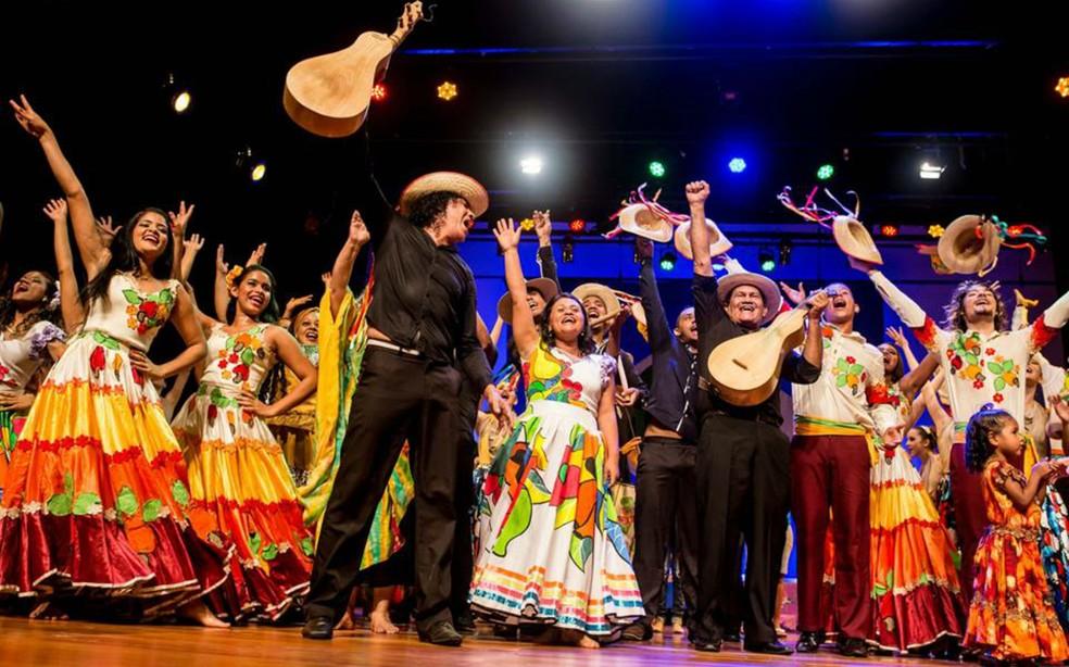 Grupo Flor Ribeirinha, de Cuiabá — Foto: Luzo Reis