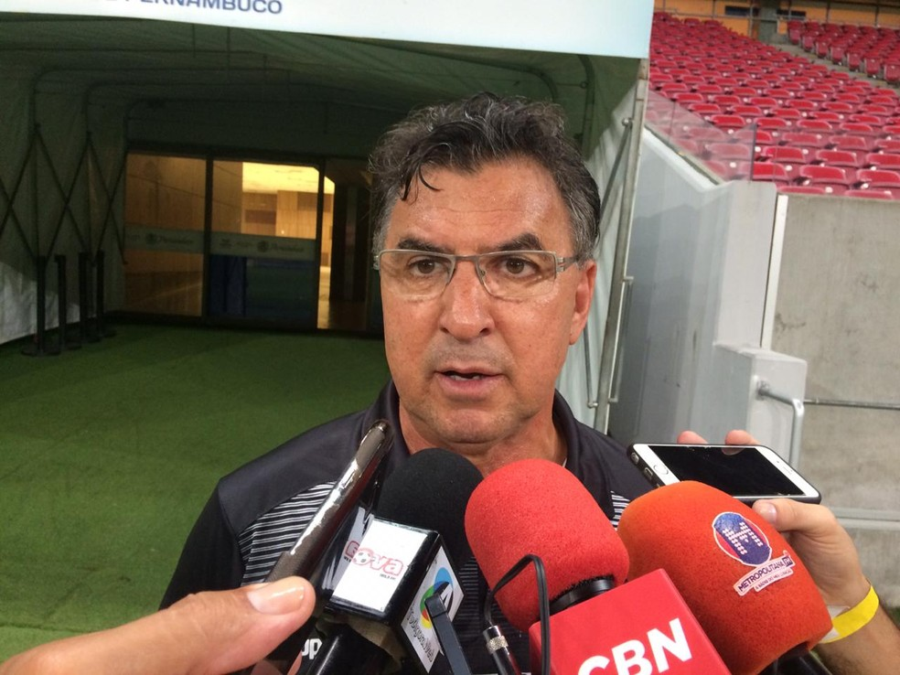 Estevam Soares durante passagem no Central-PE — Foto: Lafaete Vaz / GloboEsporte.com