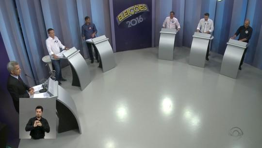 Candidatos a prefeito de Blumenau participam de debate na RBS TV