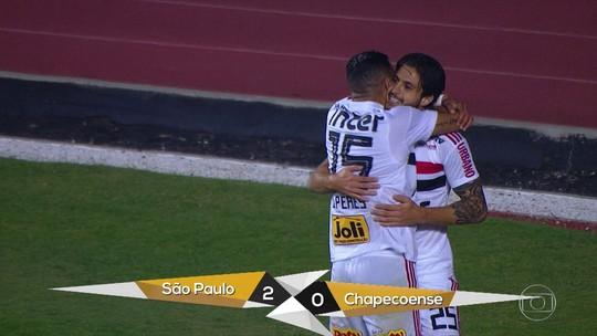 Gols do Fantástico: São Paulo segue na liderança, e goleiro Fábio pede música