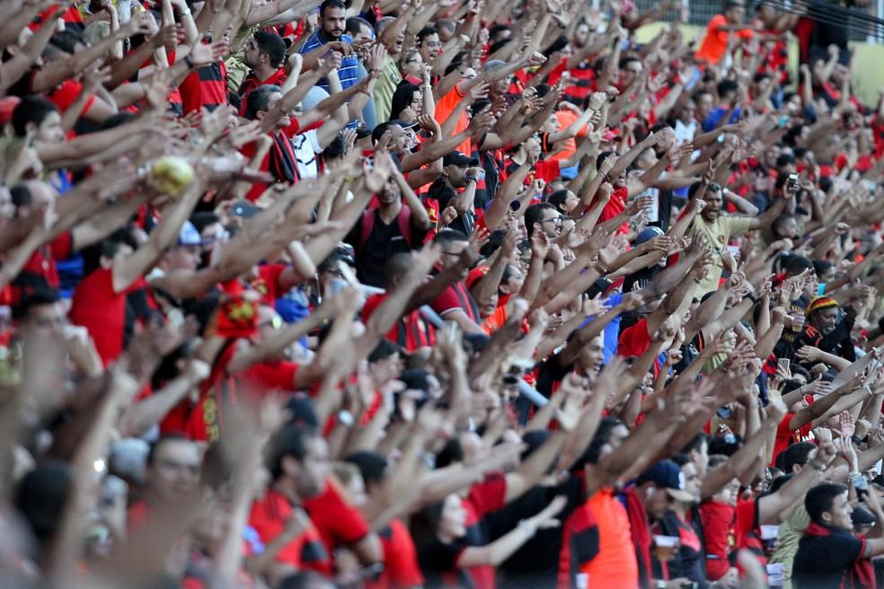 Sport espera que torcida lote estádio, contra Corinthians, como foi pedido pelo atacante André (Foto: Marlon Costa / Pernambuco Press)