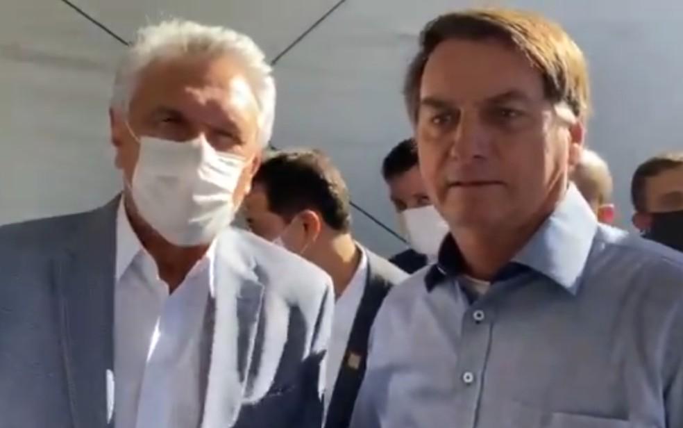 Ronaldo Caiado e Jair Bolsonaro inauguram Hospital de Campanha de Águas Lindas de Goiás — Foto: Reprodução/Twitter
