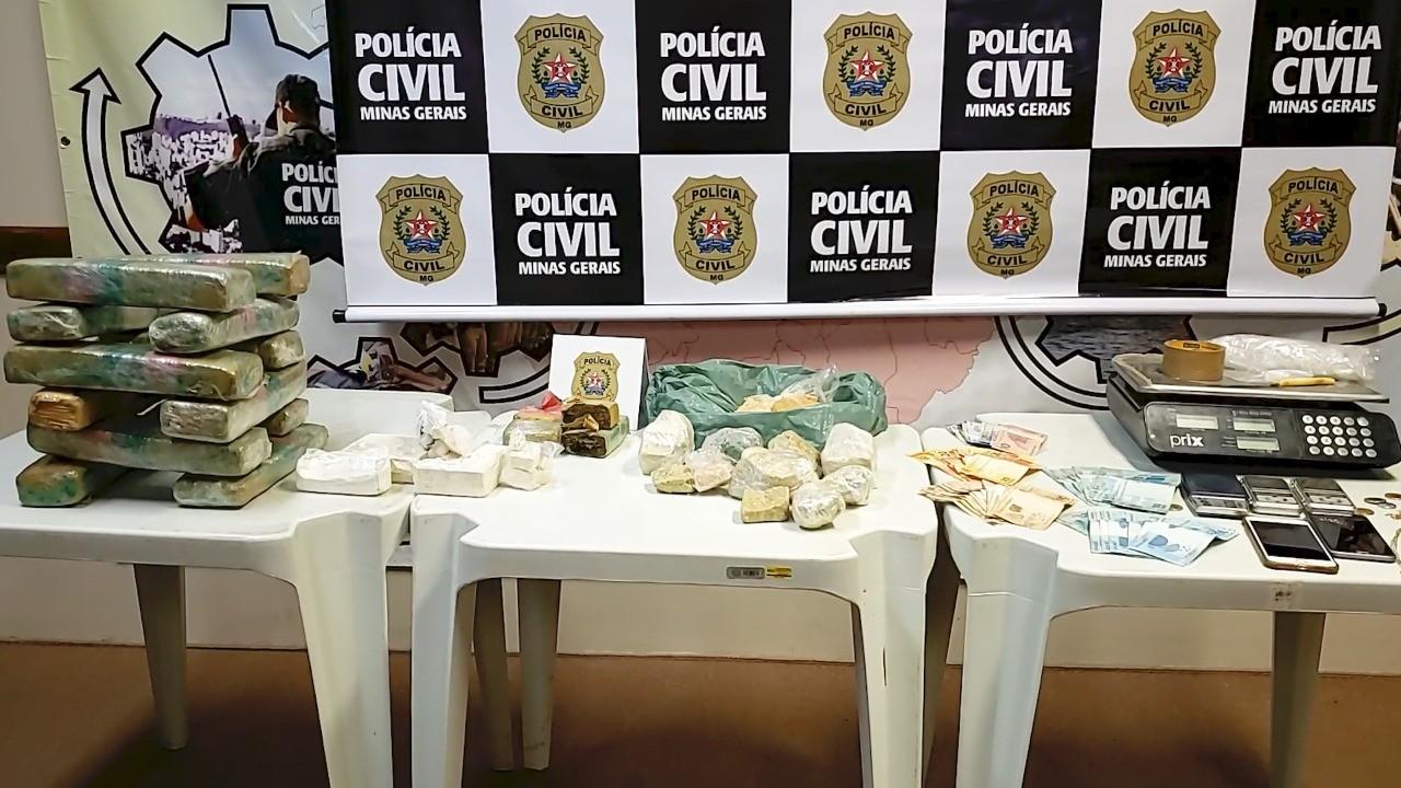 Polícia Civil prende suspeito de integrar grupo criminoso que traficava e distribuía drogas no Norte de MG