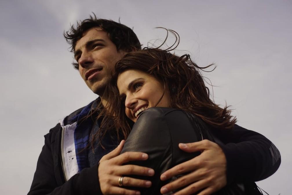 Di Ferrero e Isabeli Fontana no clipe de 'No Mesmo Lugar' (Foto: Divulgação)