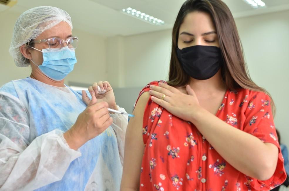 João Pessoa inicia imunização contra gripe dos trabalhadores de saúde — Foto: Divulgação/Codecom