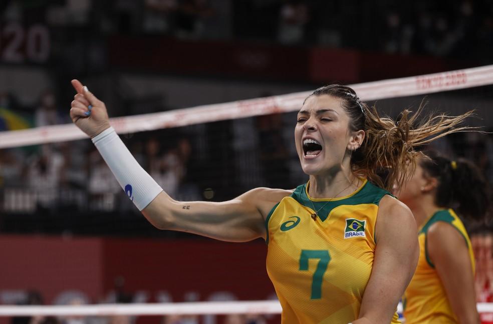 Rosamaria em ação na partida Brasil x Rússia — Foto: REUTERS/Valentyn Ogirenko