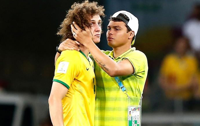 """OFF - Thiago Silva explica bronca em David Luiz: """"Pedi para trabalhar mais a bola"""""""