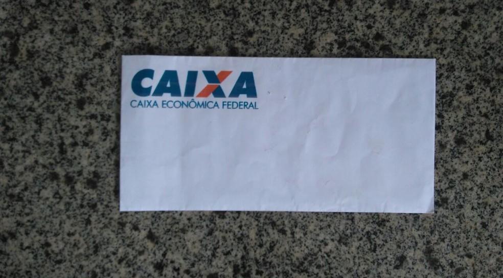 Quadrilha usava documentos e envelopes com marca da Caixa Econômica Federal e outros órgãos. (Foto: Divulgação/ Jairo Braz)