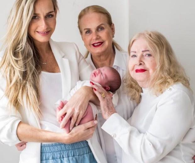 """Encontro de gerações: """"Você engravidou muito velha, aos 35"""", diz a mãe de Mari Weickert, em documentário (Foto: Reprodução/ Instagram)"""