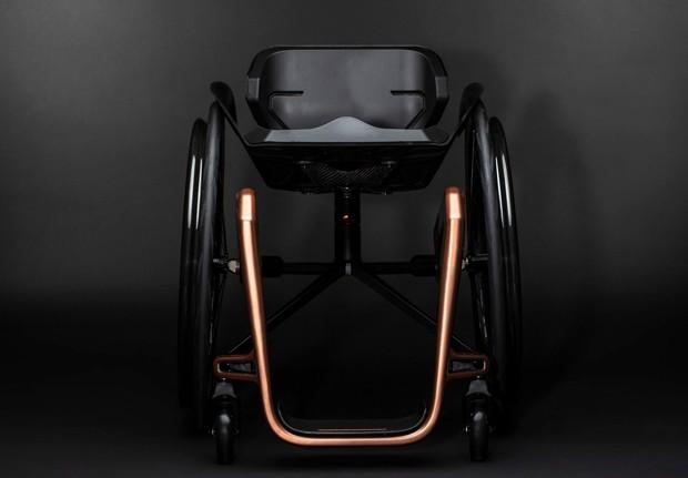 """Empresa diz ter criado a cadeira de rodas """"mais leve do mundo""""  (Foto: Reprodução)"""