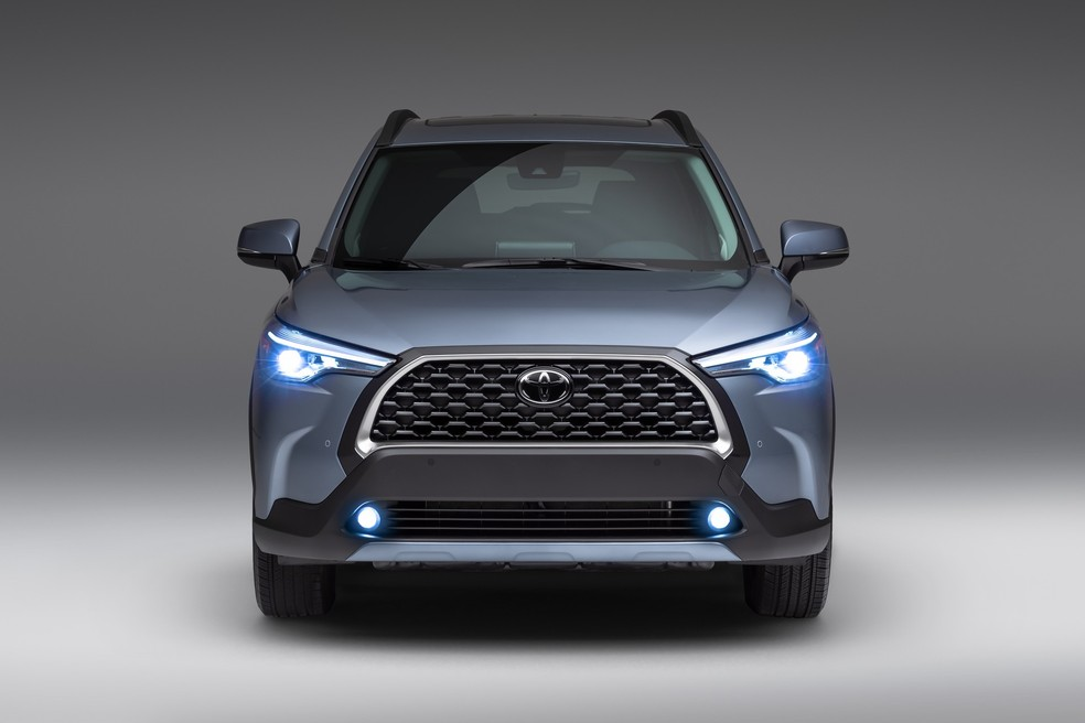 Toyota Corolla Cross dos EUA possui três versões a combustão.  — Foto: Divulgação