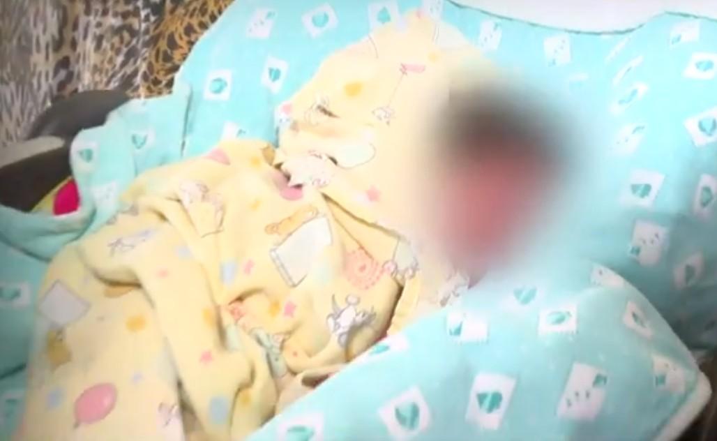 Recém-nascida encontrada em caixa de papelão em Salvador é levada para abrigo; família não apareceu