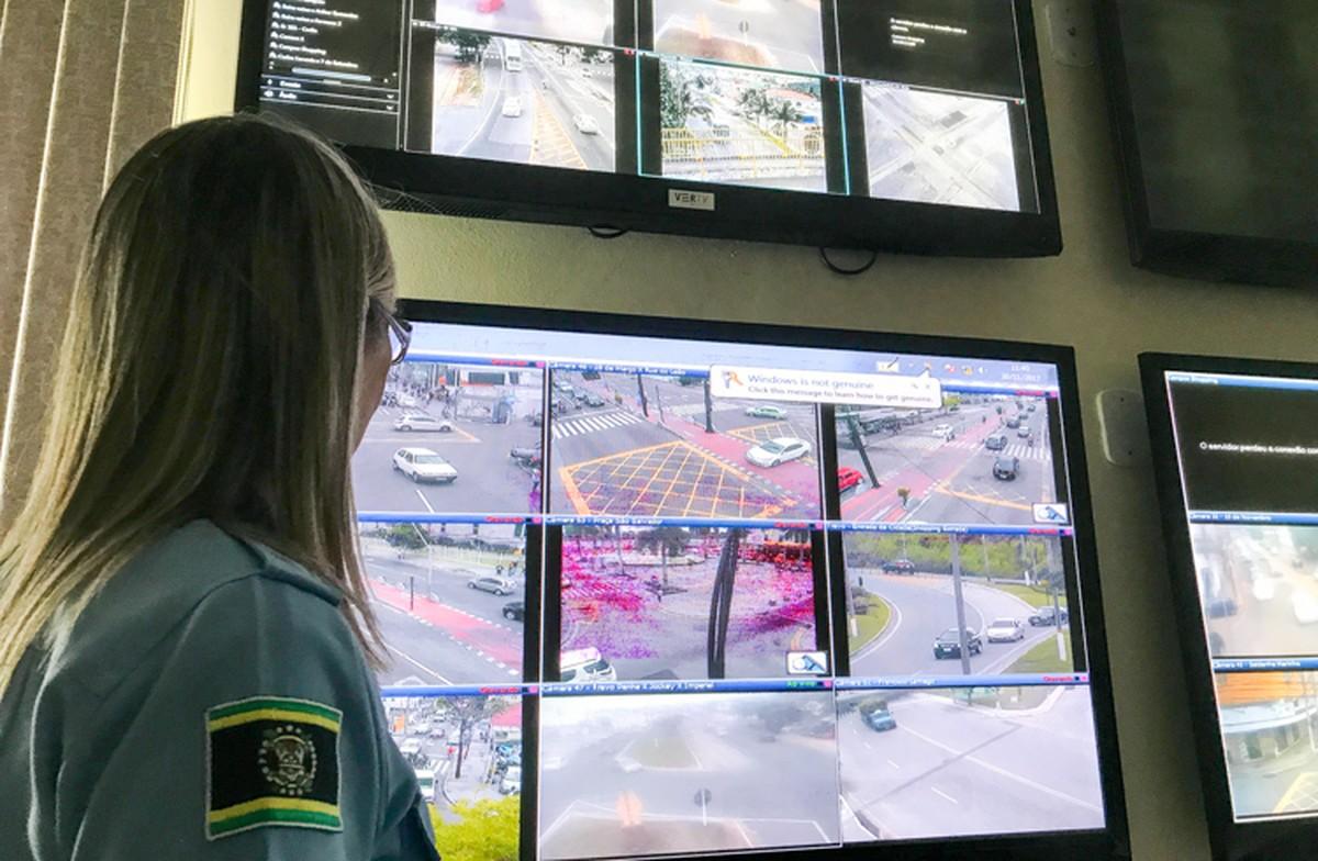 Monitoramento com câmeras nas ruas do Centro de Campos, RJ, é retomado