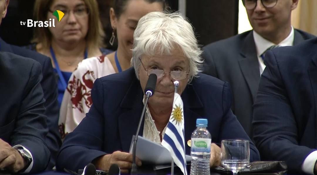 Vice-presidente do Uruguai Lucía Topolansky discursa