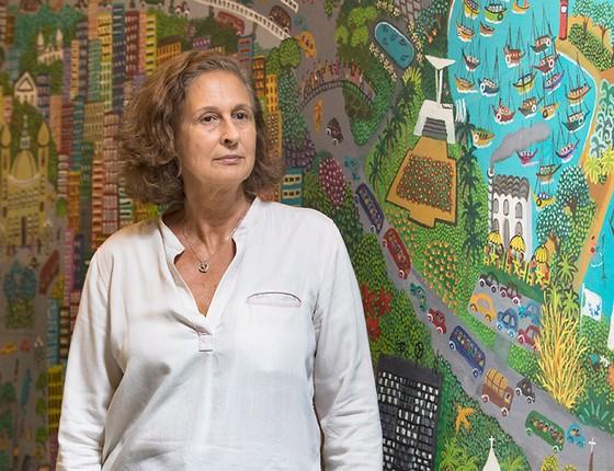 A museóloga Jacqueline Finkelstein, filha do fundador do museu, vai semanalmente ao casarão para resolver questões administrativas, receber pesquisadores e cuidar da manutenção do acervo (Foto: Ana Branco / Agencia O Globo)