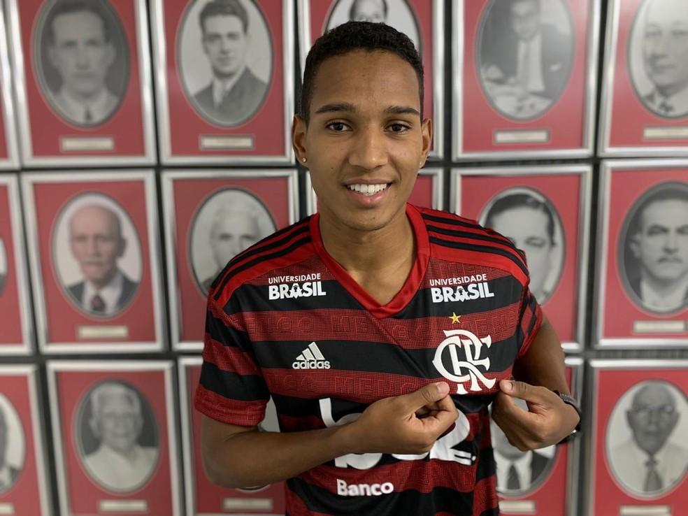 Fla gastou um valor considerado baixo, mas não divulgado pela aposta João Lucas — Foto: Divulgação/Flamengo