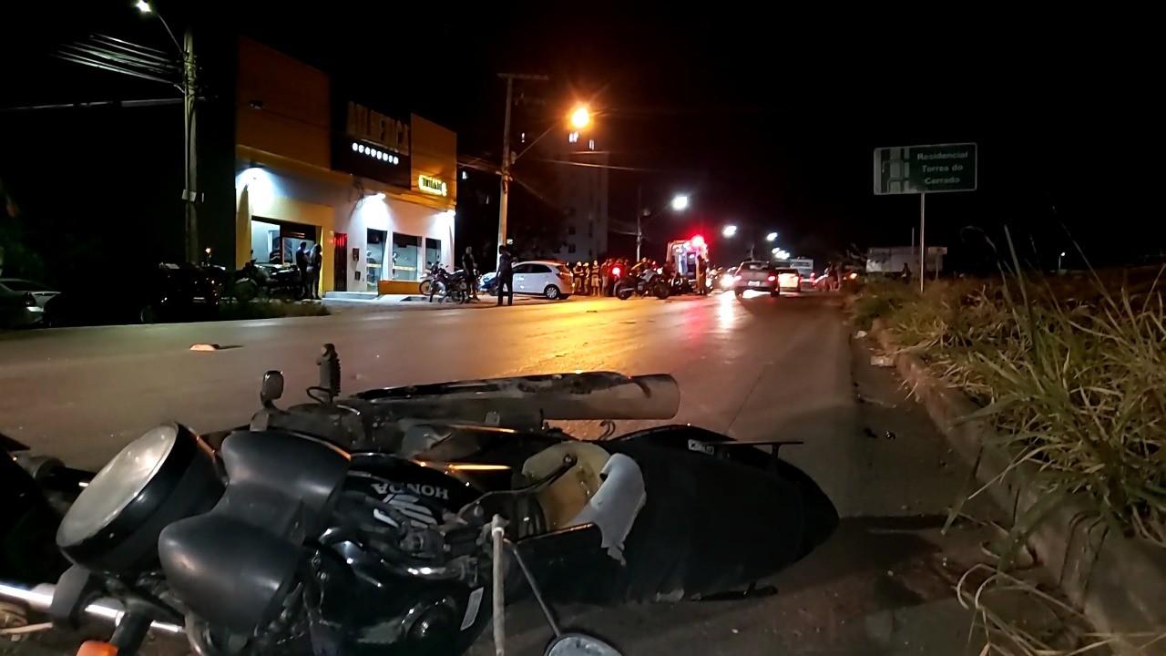 Motociclista fica ferido em acidente envolvendo dois carros em Montes Claros