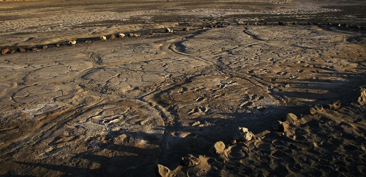 Pegadas de Homo sapiens podem sumir por causa da erosão do solo, ação de bichos e humanos (Foto: Liutkus-Pierce et al)
