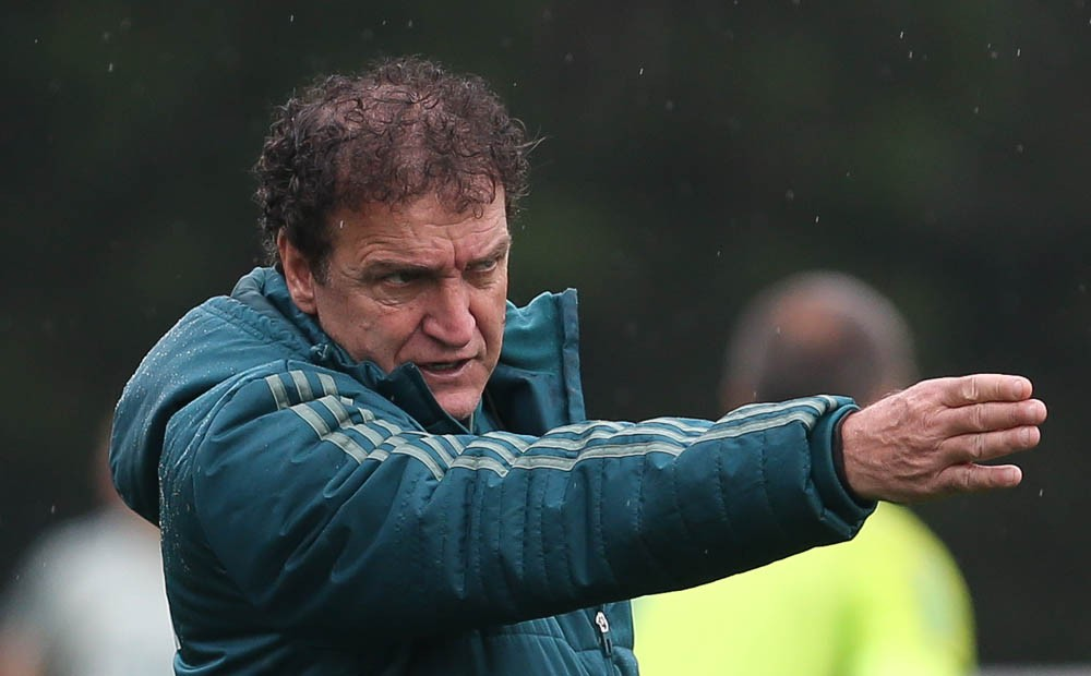 Sem Dudu e Jailson, Cuca faz treino tático na Academia do Palmeiras