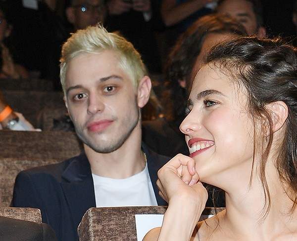 Pete Davidson e Margaret Qualley (Foto: Getty Images)