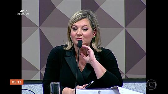 Joice Hasselman acusa filhos de Bolsonaro de comandar rede de ataques virtuais