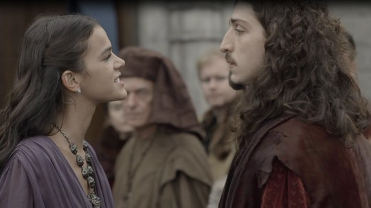 Catarina acusa Rodolfo pelo atentado a Rei Augusto