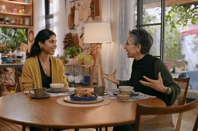 Bela Gil e Cássia Kis no 'Bela cozinha' (Foto: Reprodução)