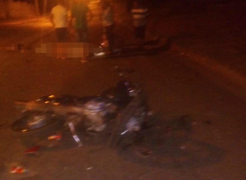 Colisão frontal entre motos deixa um morto e três feridos; bebê que era transportado não se feriu - Notícias - Plantão Diário